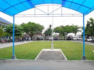 Lapangan sebelah Barat Gedung Direktorat Poltekkes Ykt