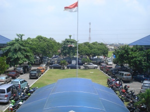 Lapangan depan kampus I Poltekkes Jl. Tata Bumi