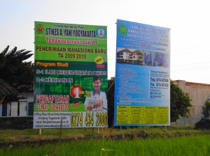 Banner Stikes A Yani dan UMY